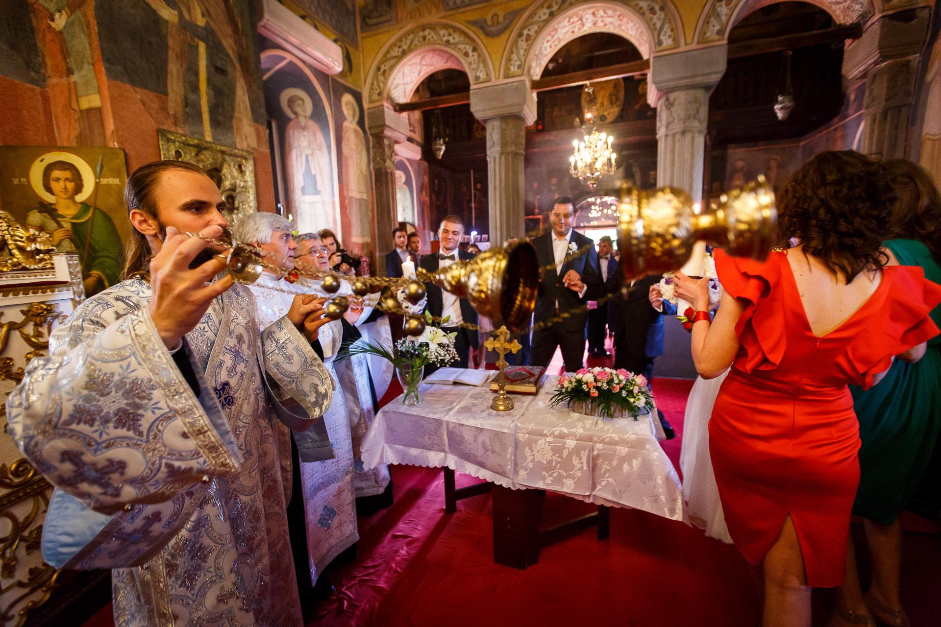 nuntă Salon Elisabeta - Elena şi Costin - Mihai Zaharia Photography - 040