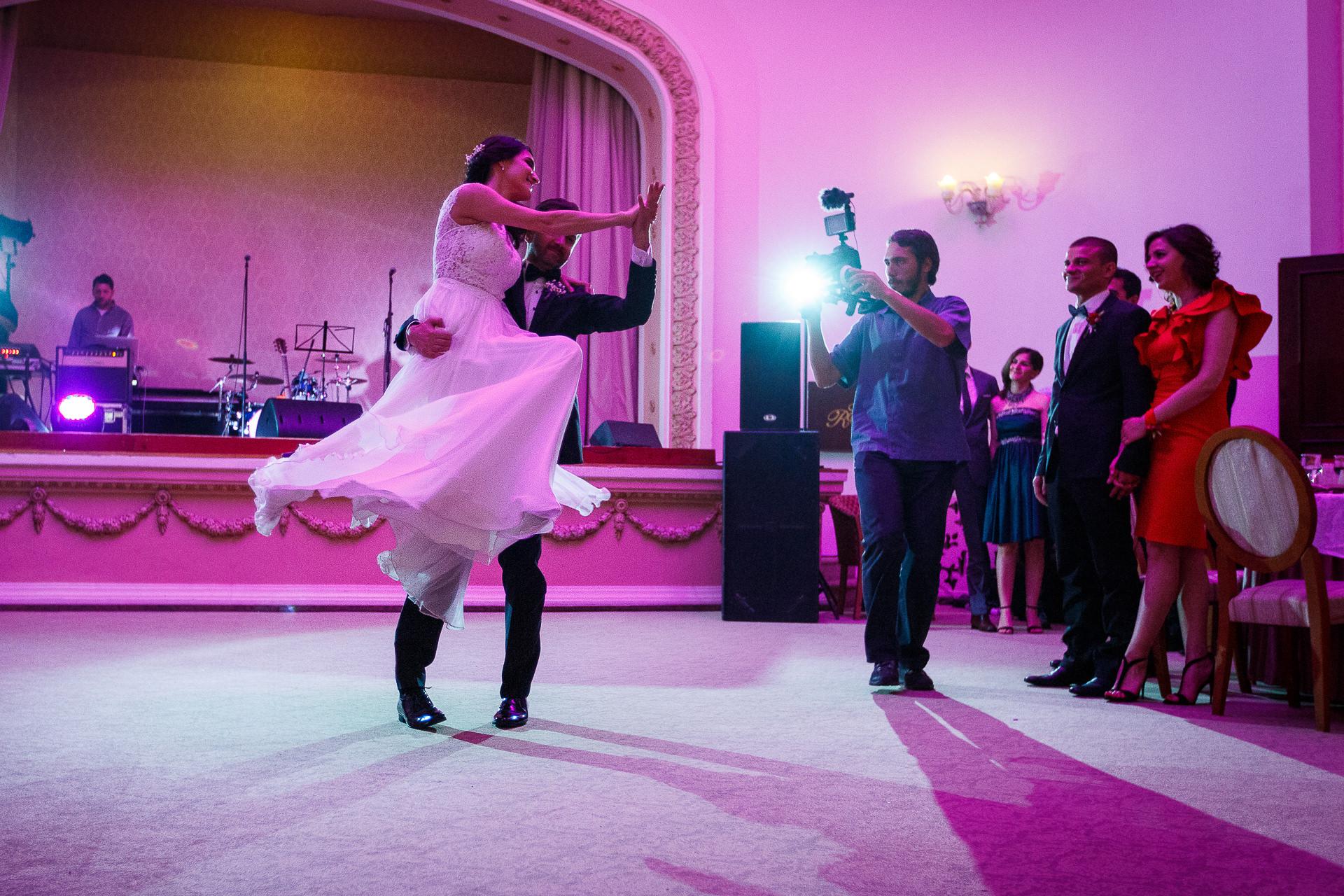 nuntă Salon Elisabeta - Elena şi Costin - Mihai Zaharia Photography - 055