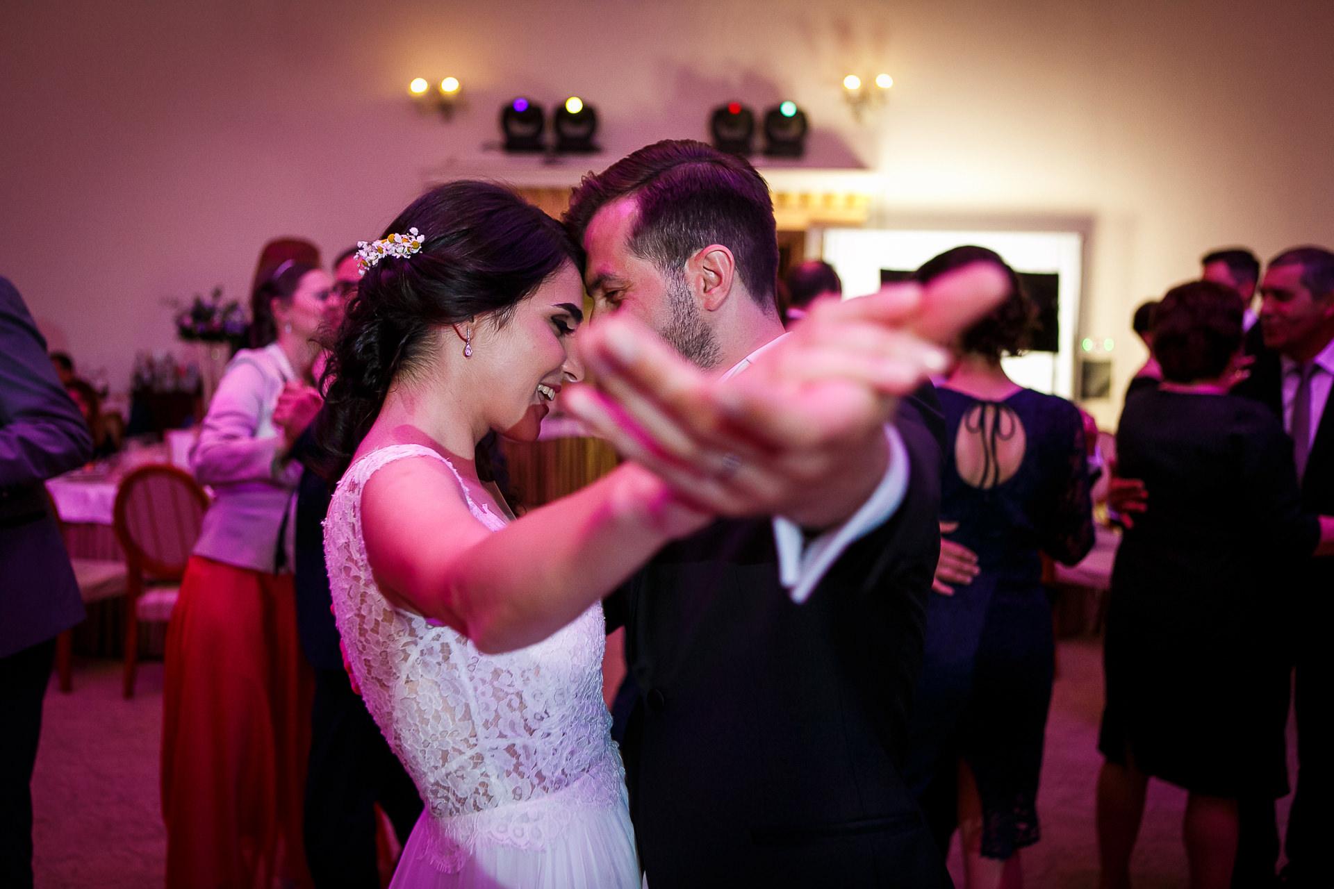 nuntă Salon Elisabeta - Elena şi Costin - Mihai Zaharia Photography - 057