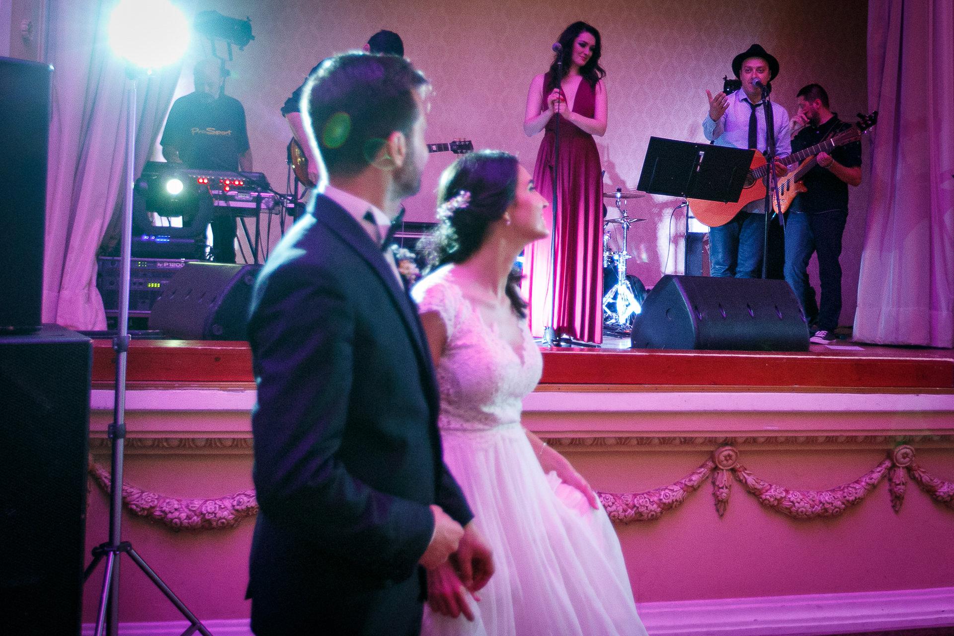 nuntă Salon Elisabeta - Elena şi Costin - Mihai Zaharia Photography - 058