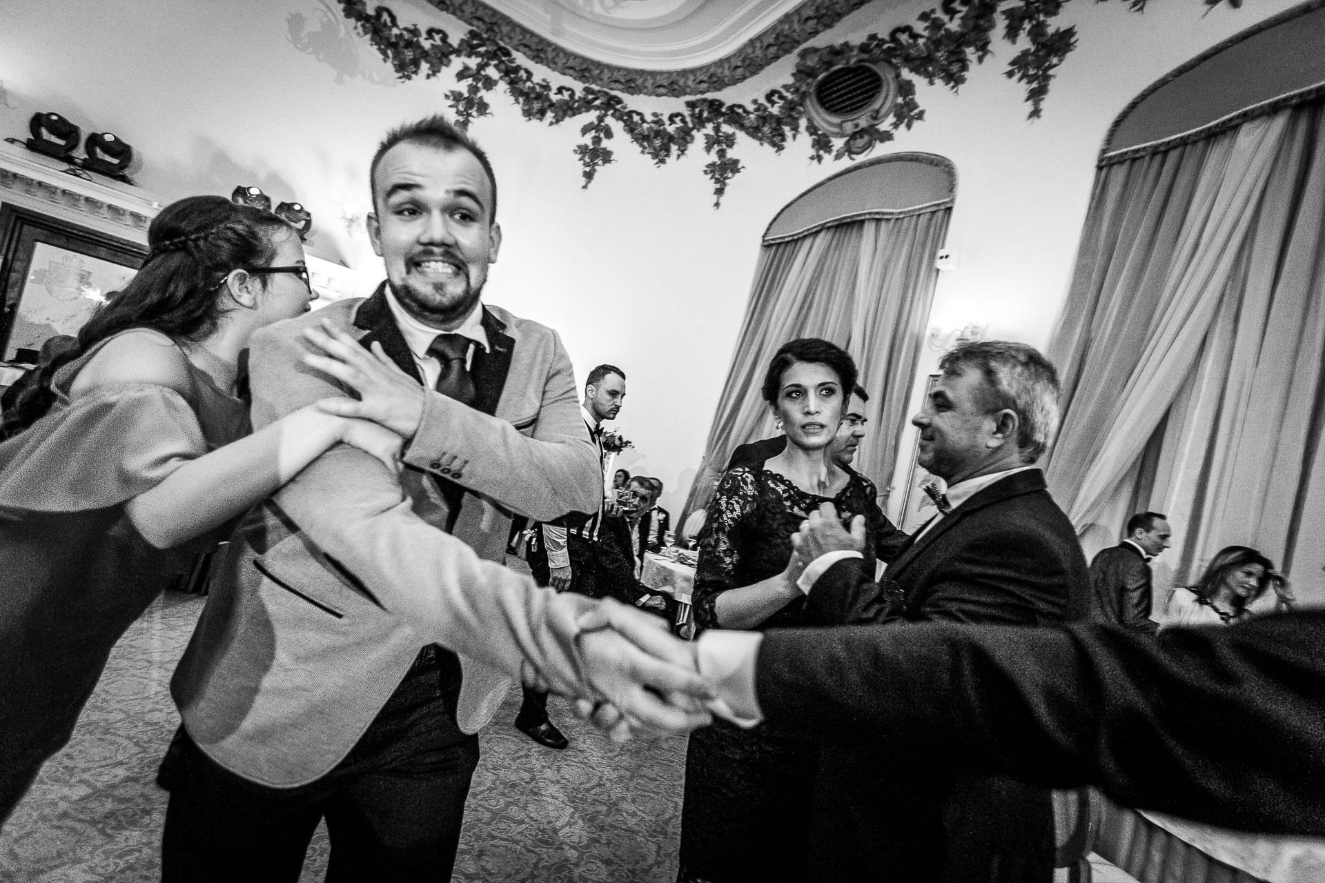 nuntă Salon Elisabeta - Elena şi Costin - Mihai Zaharia Photography - 063