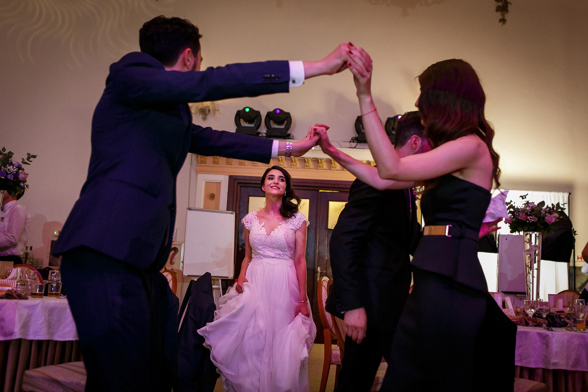 nuntă Salon Elisabeta - Elena şi Costin - Mihai Zaharia Photography - 065