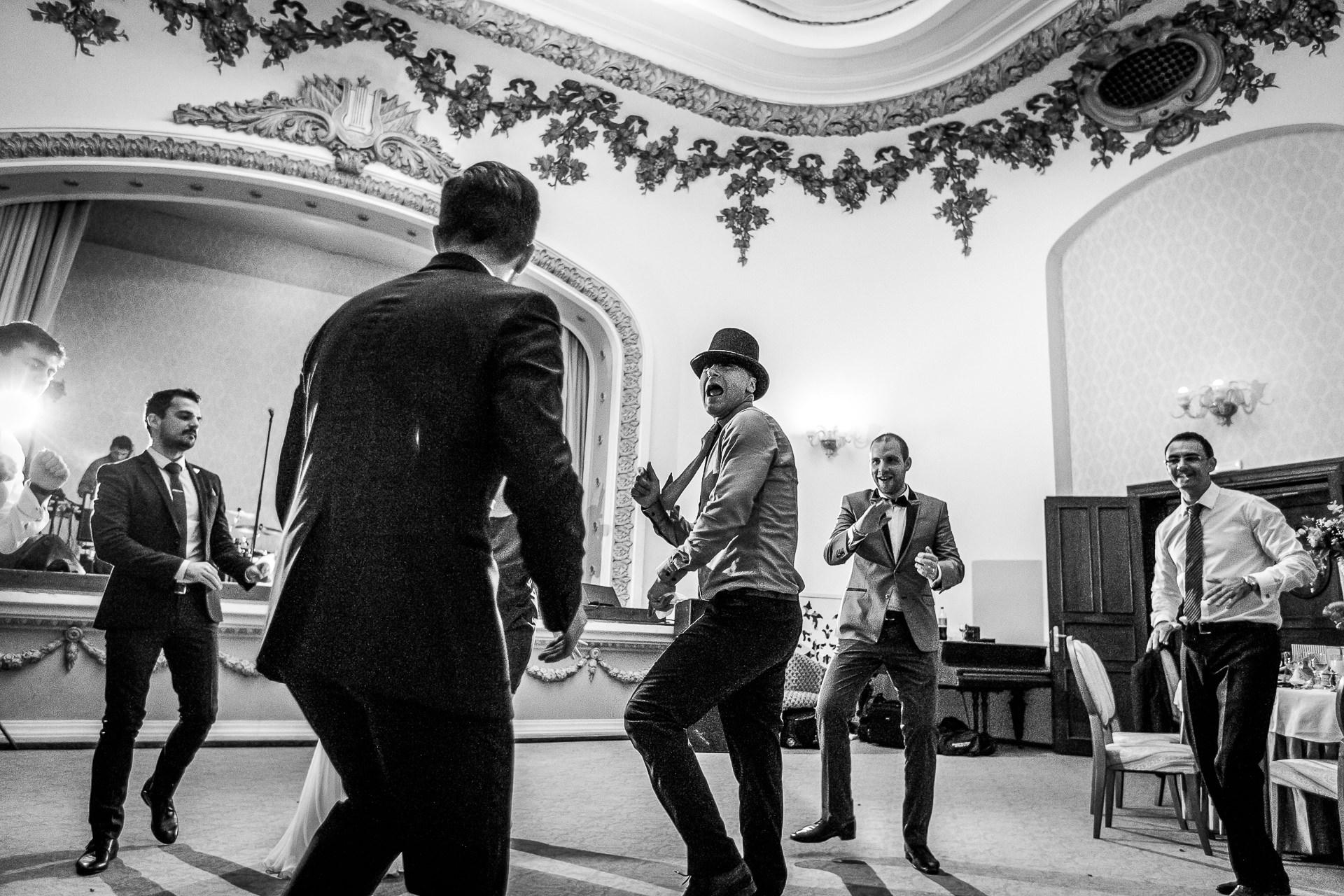 nuntă Salon Elisabeta - Elena şi Costin - Mihai Zaharia Photography - 067