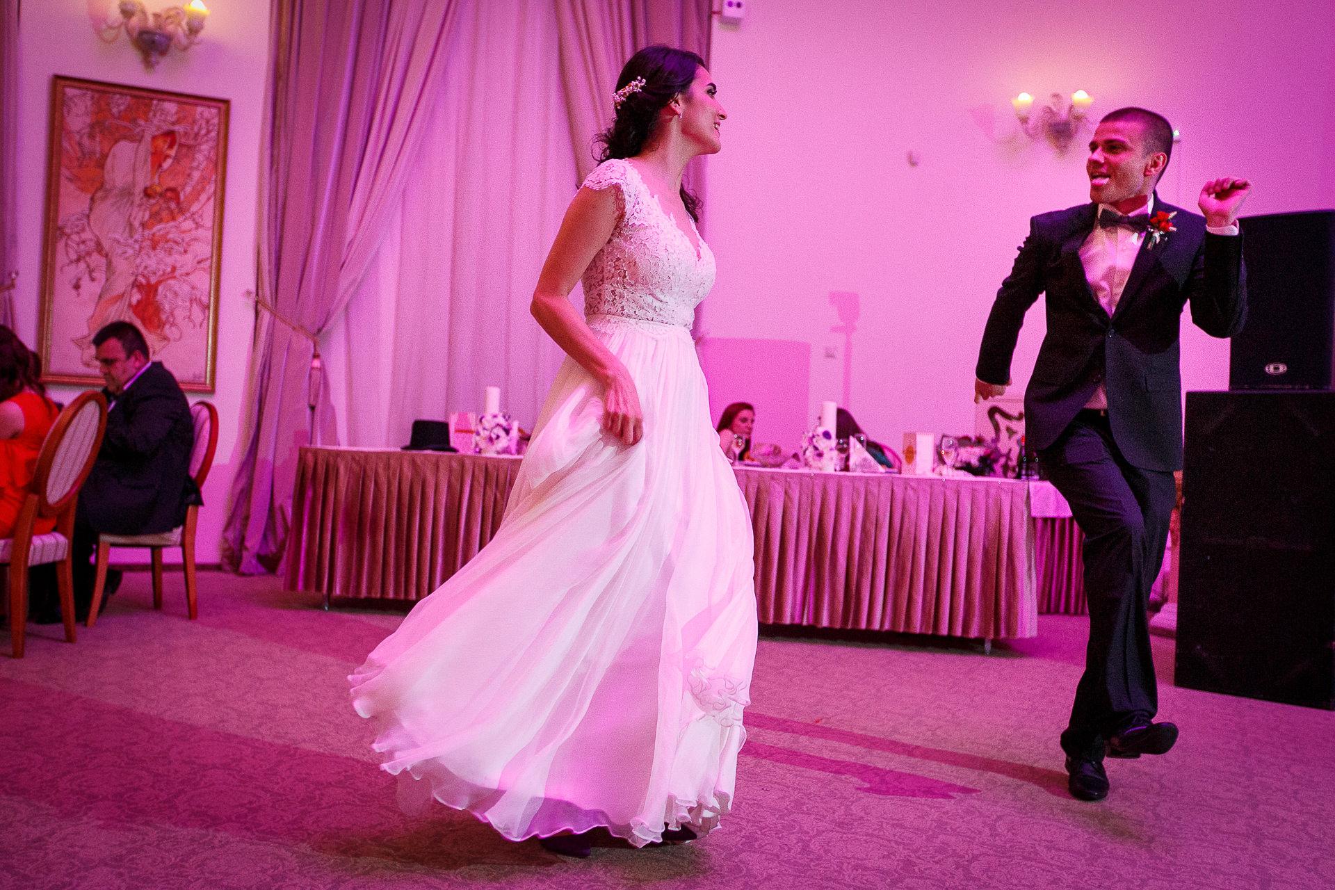 nuntă Salon Elisabeta - Elena şi Costin - Mihai Zaharia Photography - 077