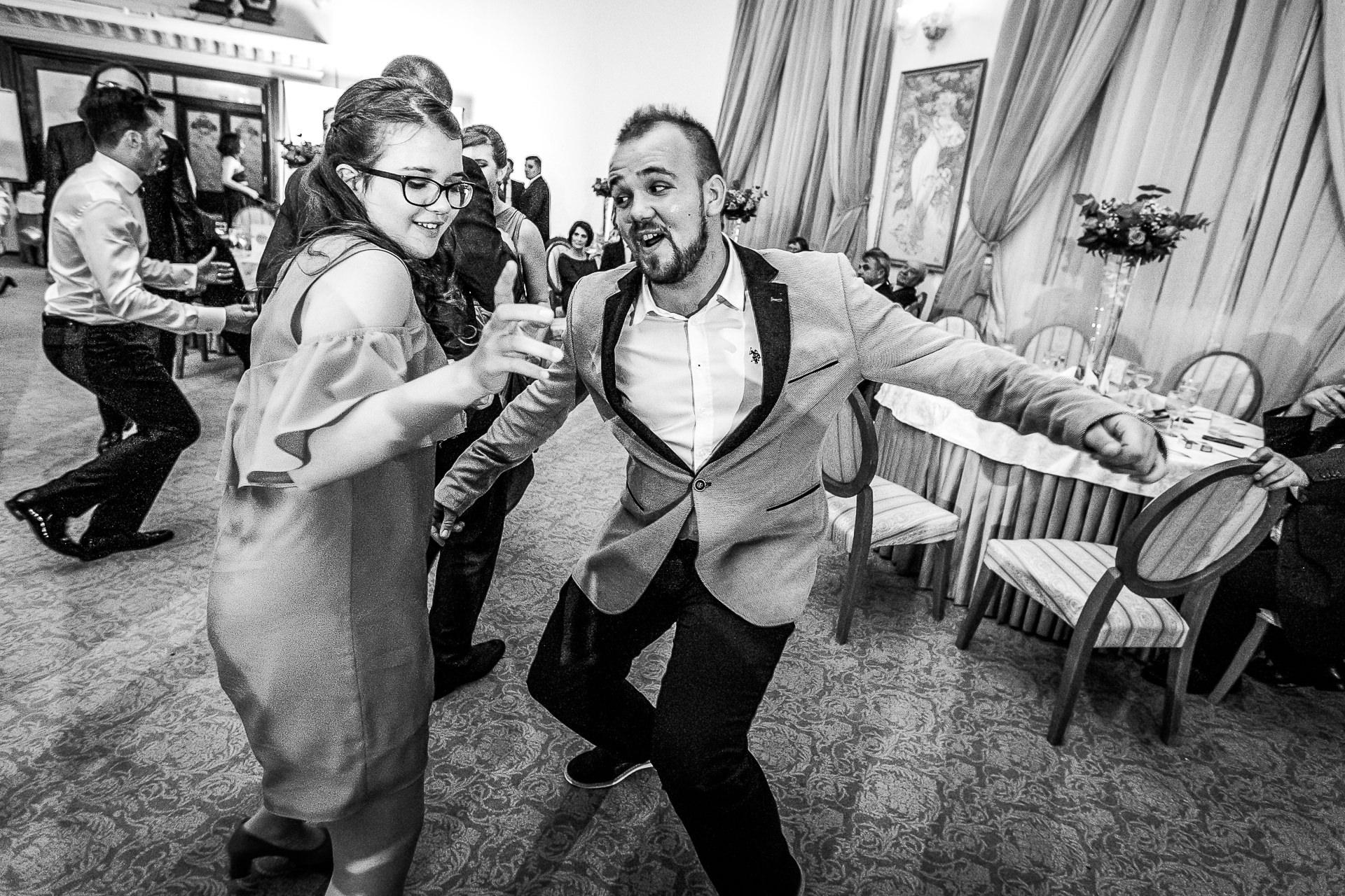nuntă Salon Elisabeta - Elena şi Costin - Mihai Zaharia Photography - 081