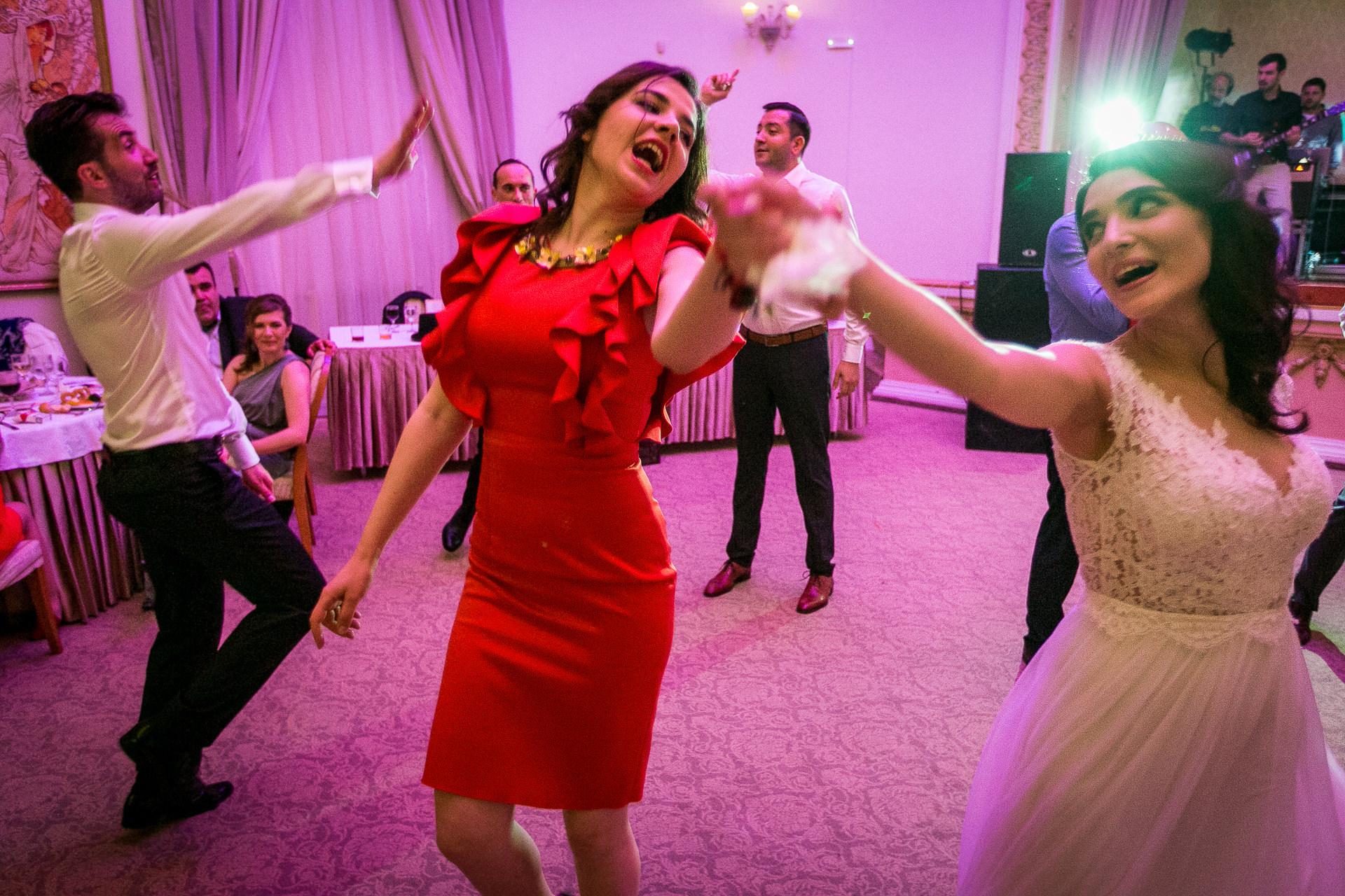 nuntă Salon Elisabeta - Elena şi Costin - Mihai Zaharia Photography - 083