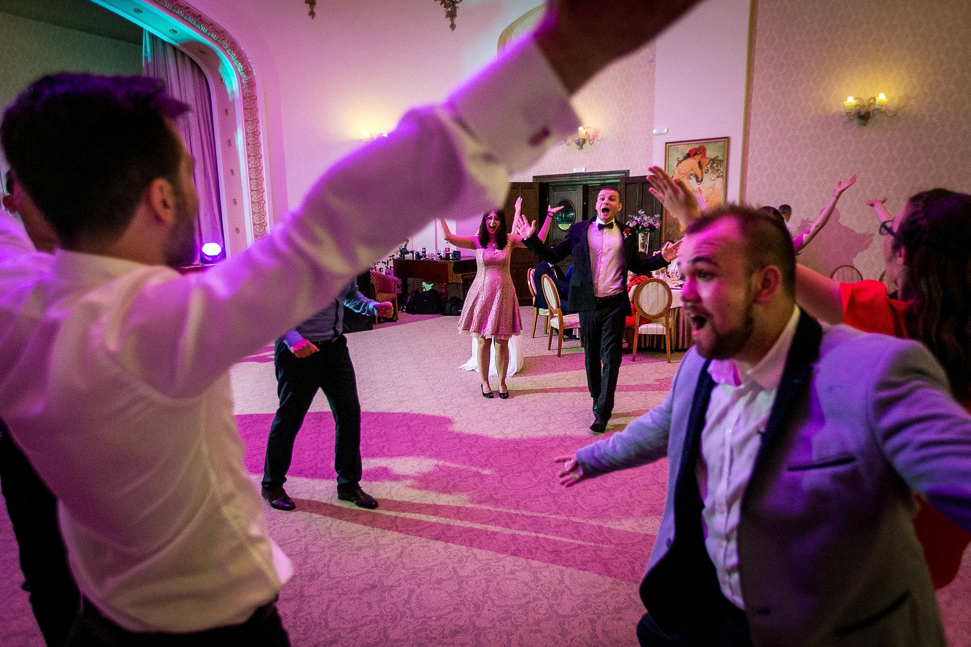 nuntă Salon Elisabeta - Elena şi Costin - Mihai Zaharia Photography - 088