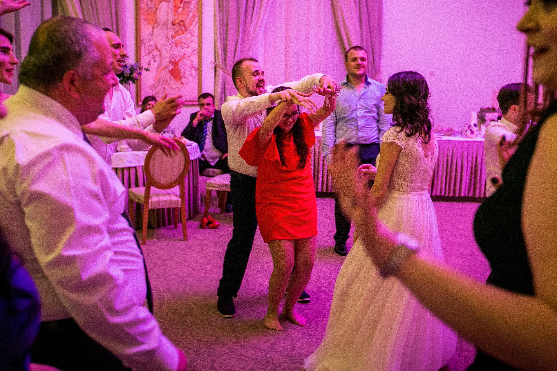 nuntă Salon Elisabeta - Elena şi Costin - Mihai Zaharia Photography - 092