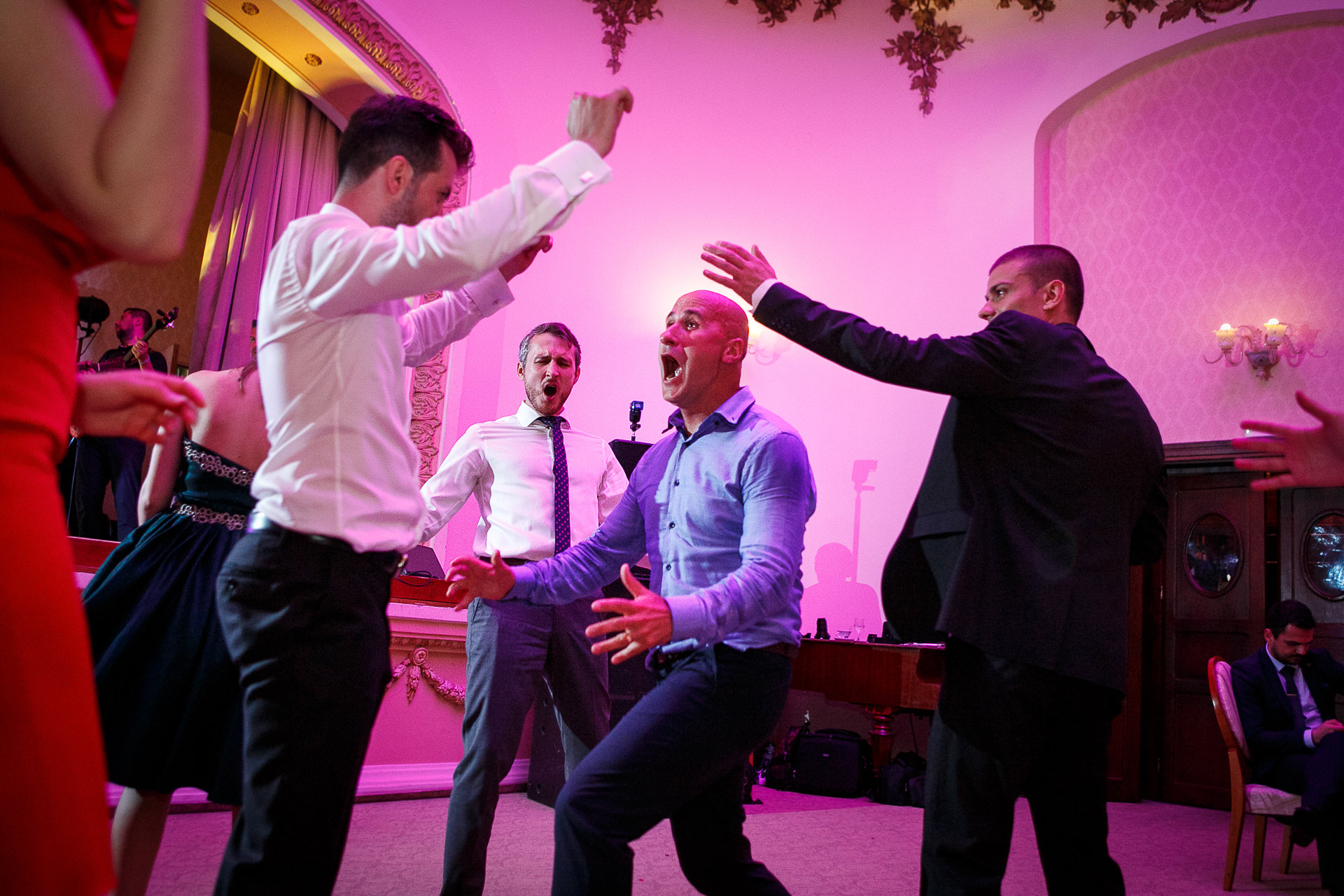 nuntă Salon Elisabeta - Elena şi Costin - Mihai Zaharia Photography - 101