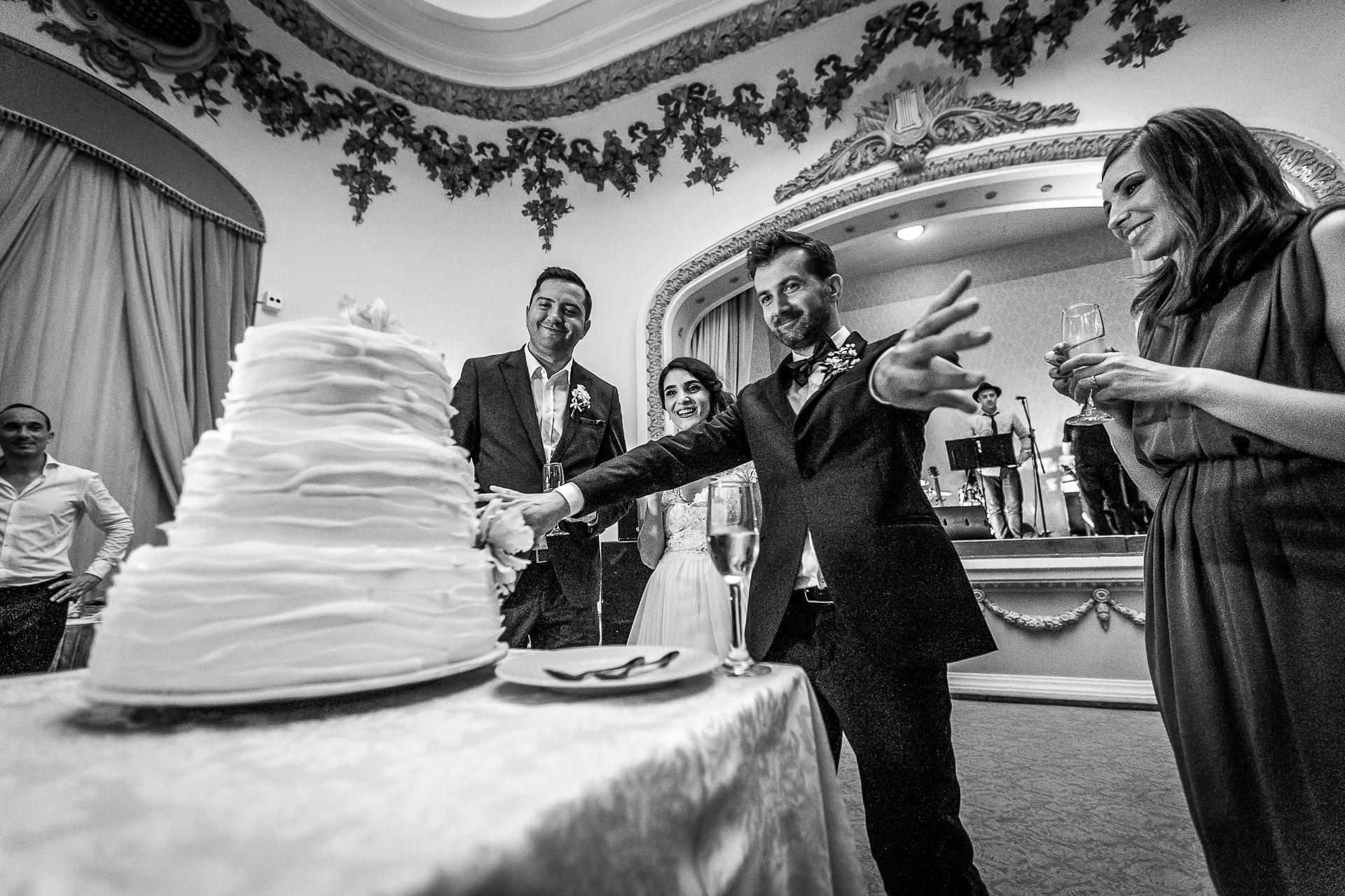 nuntă Salon Elisabeta - Elena şi Costin - Mihai Zaharia Photography - 103