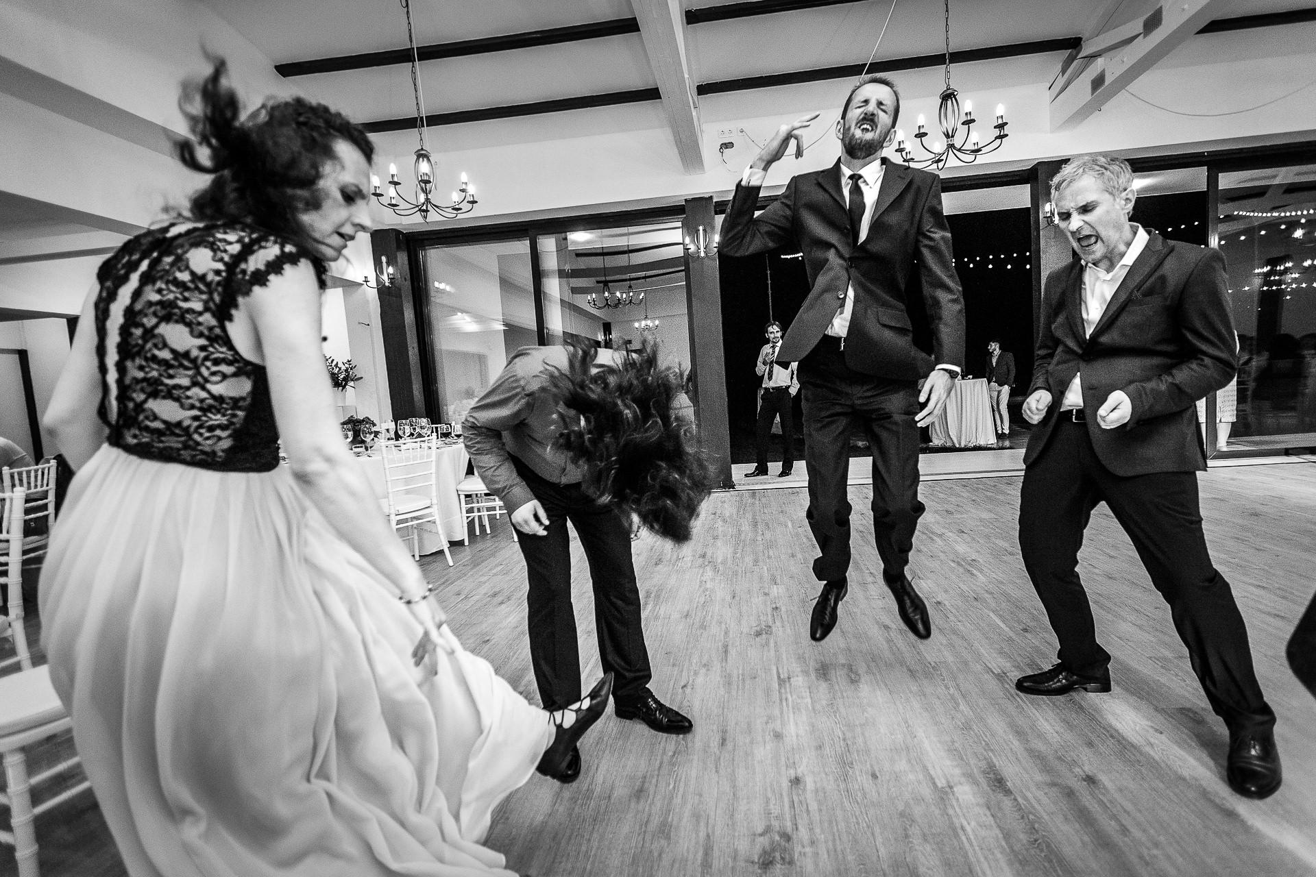 fotograf-nunta-mihaela-si-mircea-treehouse-cosoba - 75