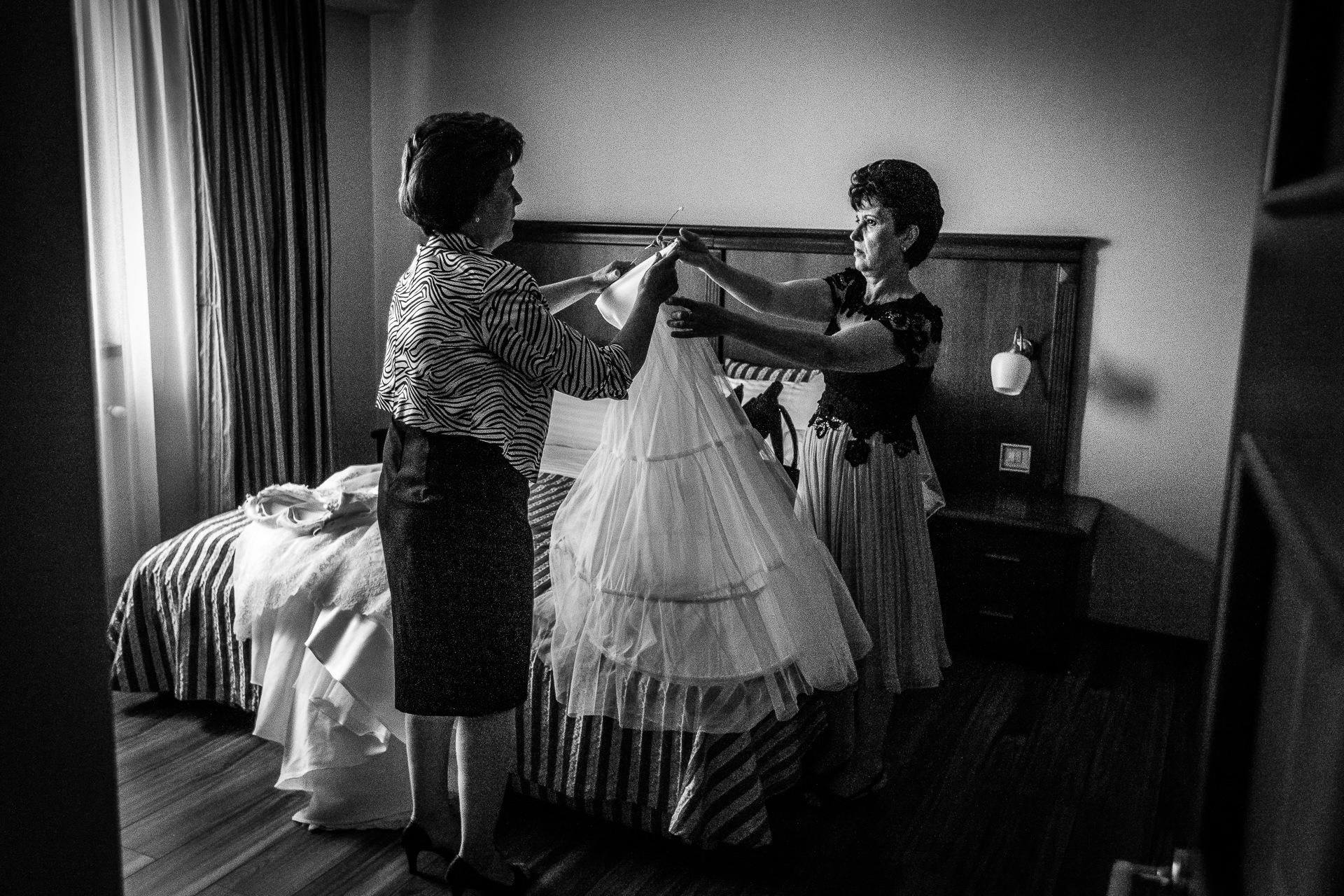 Fotografie de nunta pregatiri Hotel Minerva Bucuresti | Alina si Razvan | 08