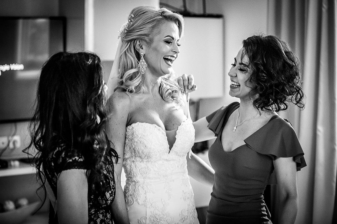 Fotograf nuntă Bucureşti - Biserica Militara Sfântul Mina + Metropolitan Club and Events - Marinela şi Pasquale - Mihai Zaharia Photography - 09