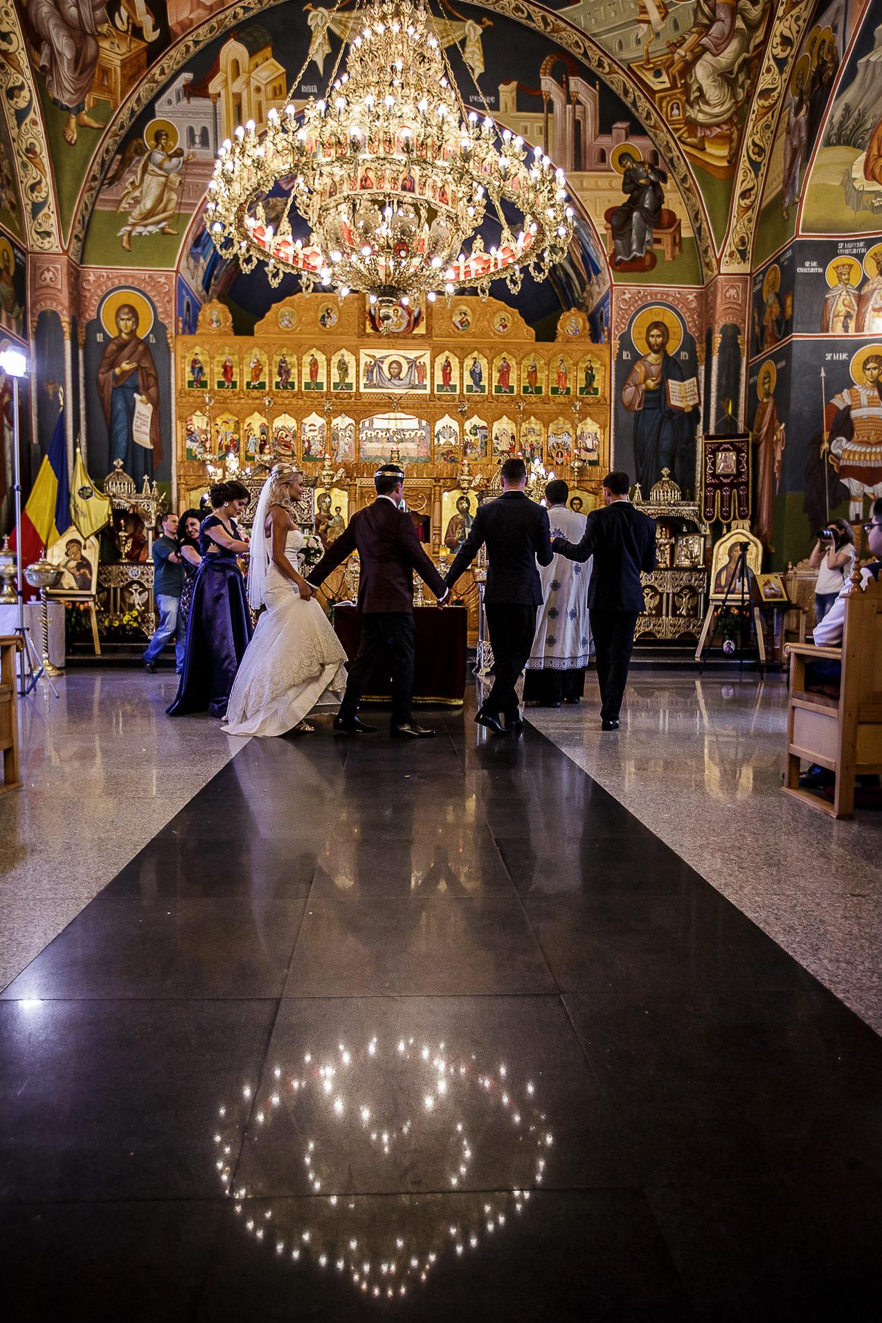 Fotograf nuntă Bucureşti - Biserica Militara Sfântul Mina + Metropolitan Club and Events - Marinela şi Pasquale - Mihai Zaharia Photography - 33