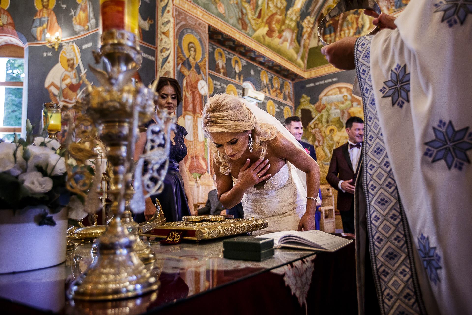Fotograf nuntă Bucureşti - Biserica Militara Sfântul Mina + Metropolitan Club and Events - Marinela şi Pasquale - Mihai Zaharia Photography - 35