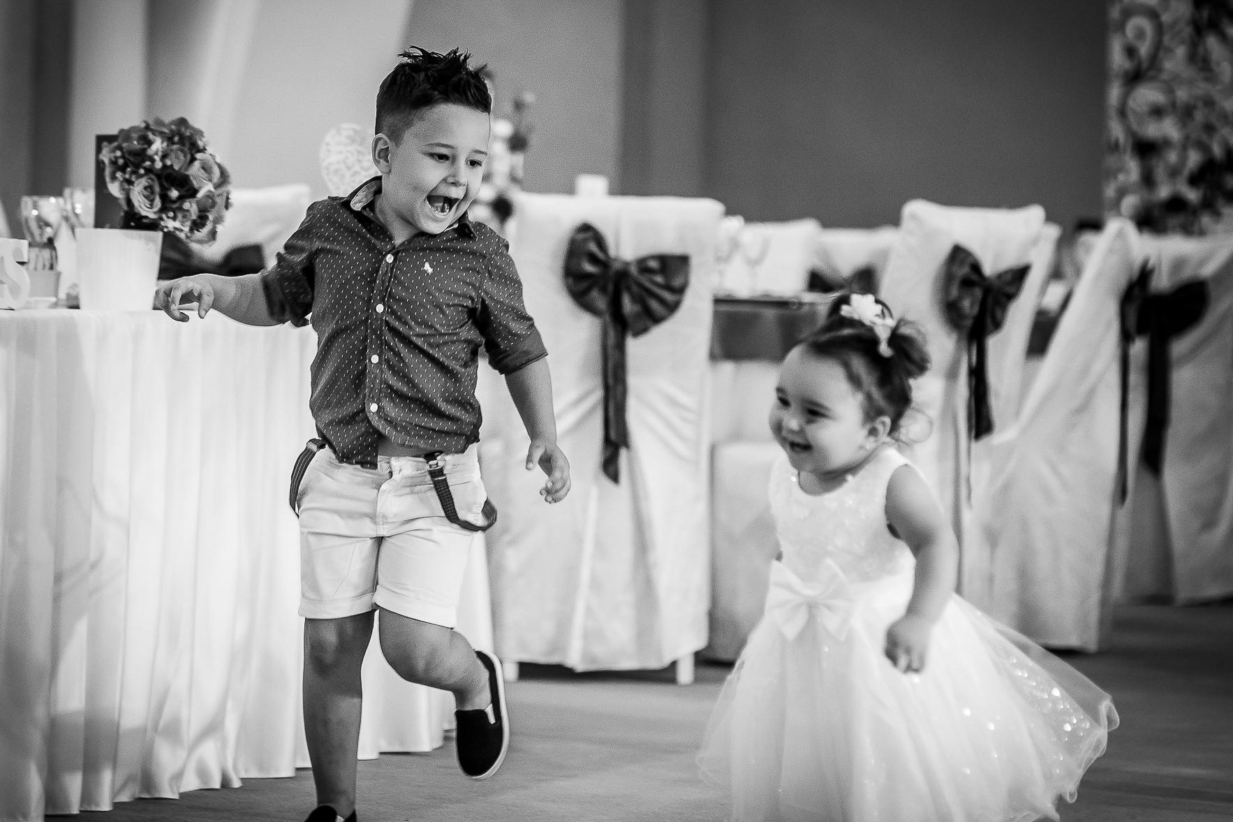 Fotograf nuntă Bucureşti - Biserica Militara Sfântul Mina + Metropolitan Club and Events - Marinela şi Pasquale - Mihai Zaharia Photography - 40