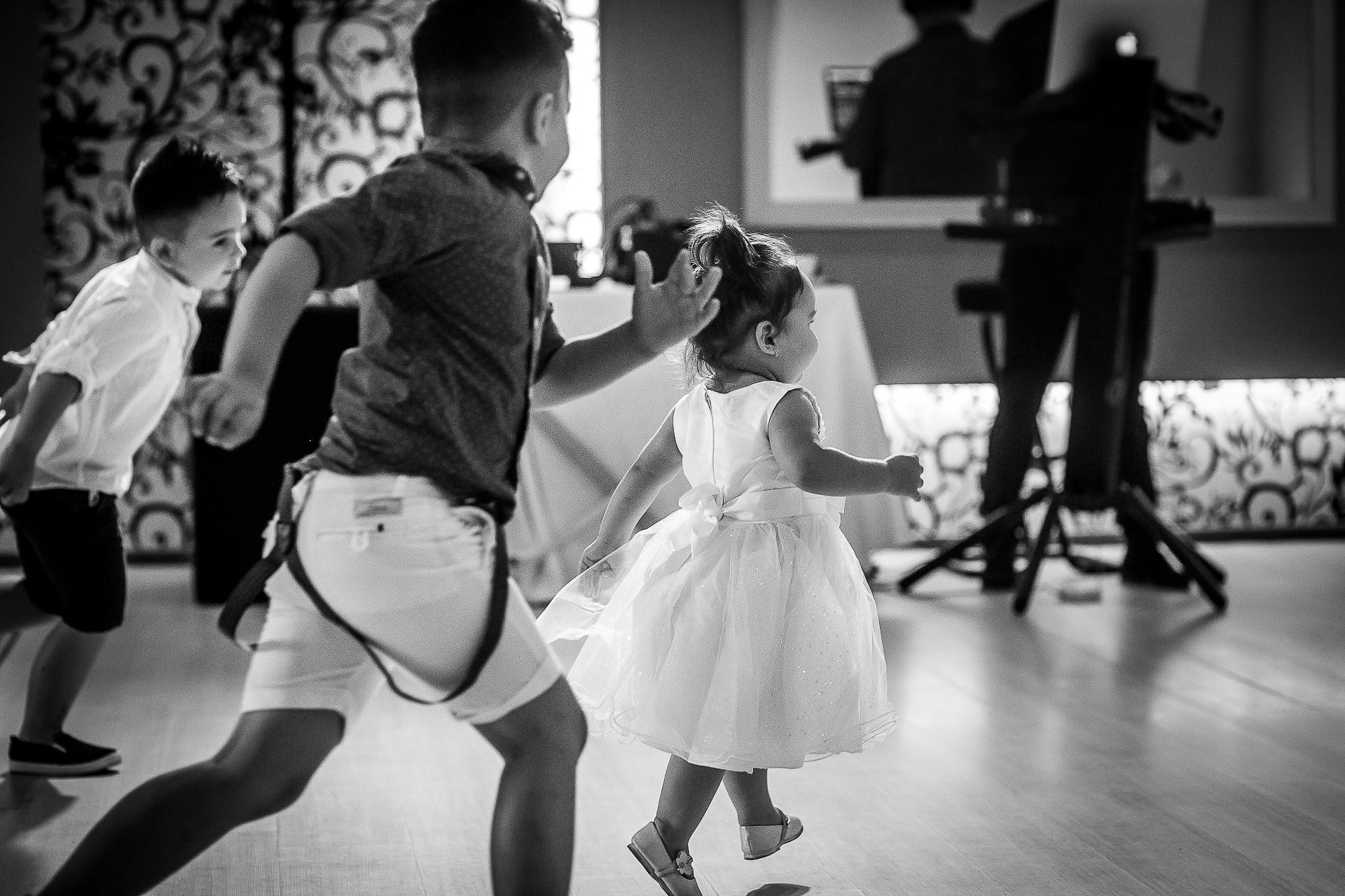 Fotograf nuntă Bucureşti - Biserica Militara Sfântul Mina + Metropolitan Club and Events - Marinela şi Pasquale - Mihai Zaharia Photography - 41