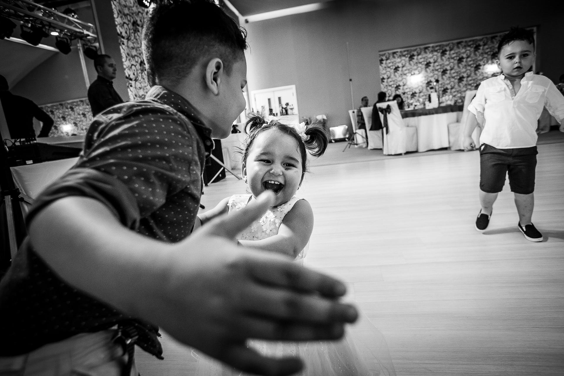 Fotograf nuntă Bucureşti - Biserica Militara Sfântul Mina + Metropolitan Club and Events - Marinela şi Pasquale - Mihai Zaharia Photography - 42