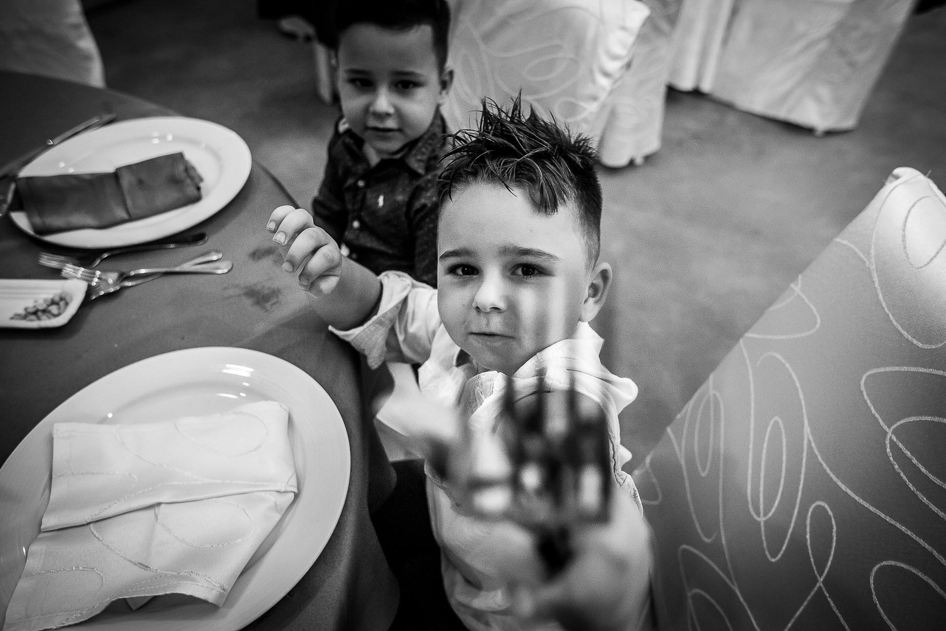 Fotograf nuntă Bucureşti - Biserica Militara Sfântul Mina + Metropolitan Club and Events - Marinela şi Pasquale - Mihai Zaharia Photography - 45