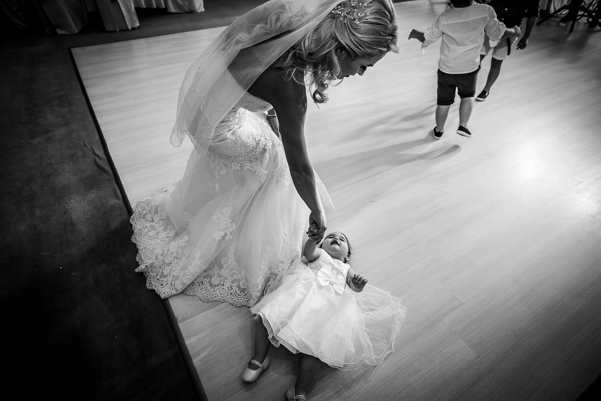 Fotograf nuntă Bucureşti - Biserica Militara Sfântul Mina + Metropolitan Club and Events - Marinela şi Pasquale - Mihai Zaharia Photography - 46
