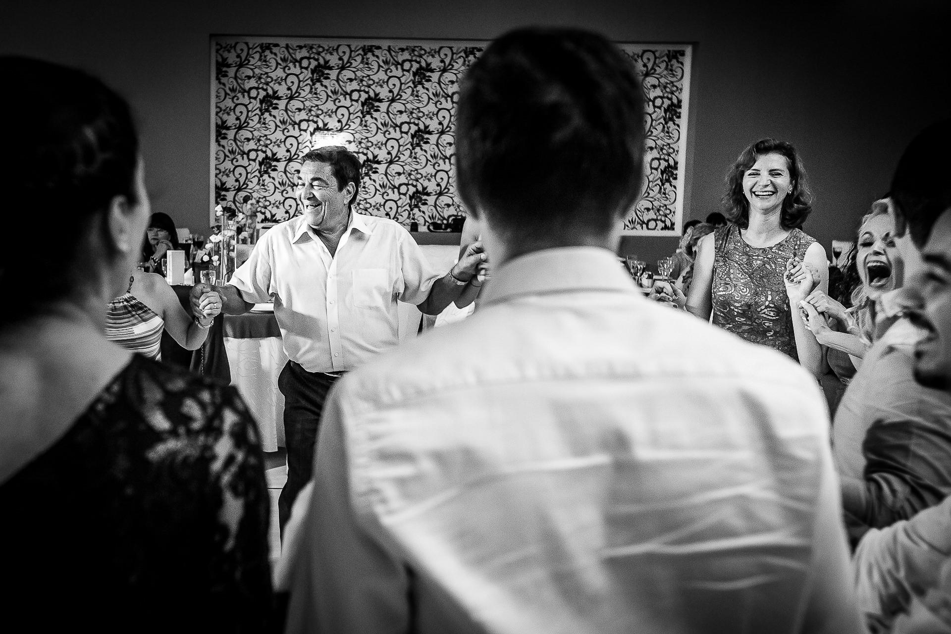Fotograf nuntă Bucureşti - Biserica Militara Sfântul Mina + Metropolitan Club and Events - Marinela şi Pasquale - Mihai Zaharia Photography - 77