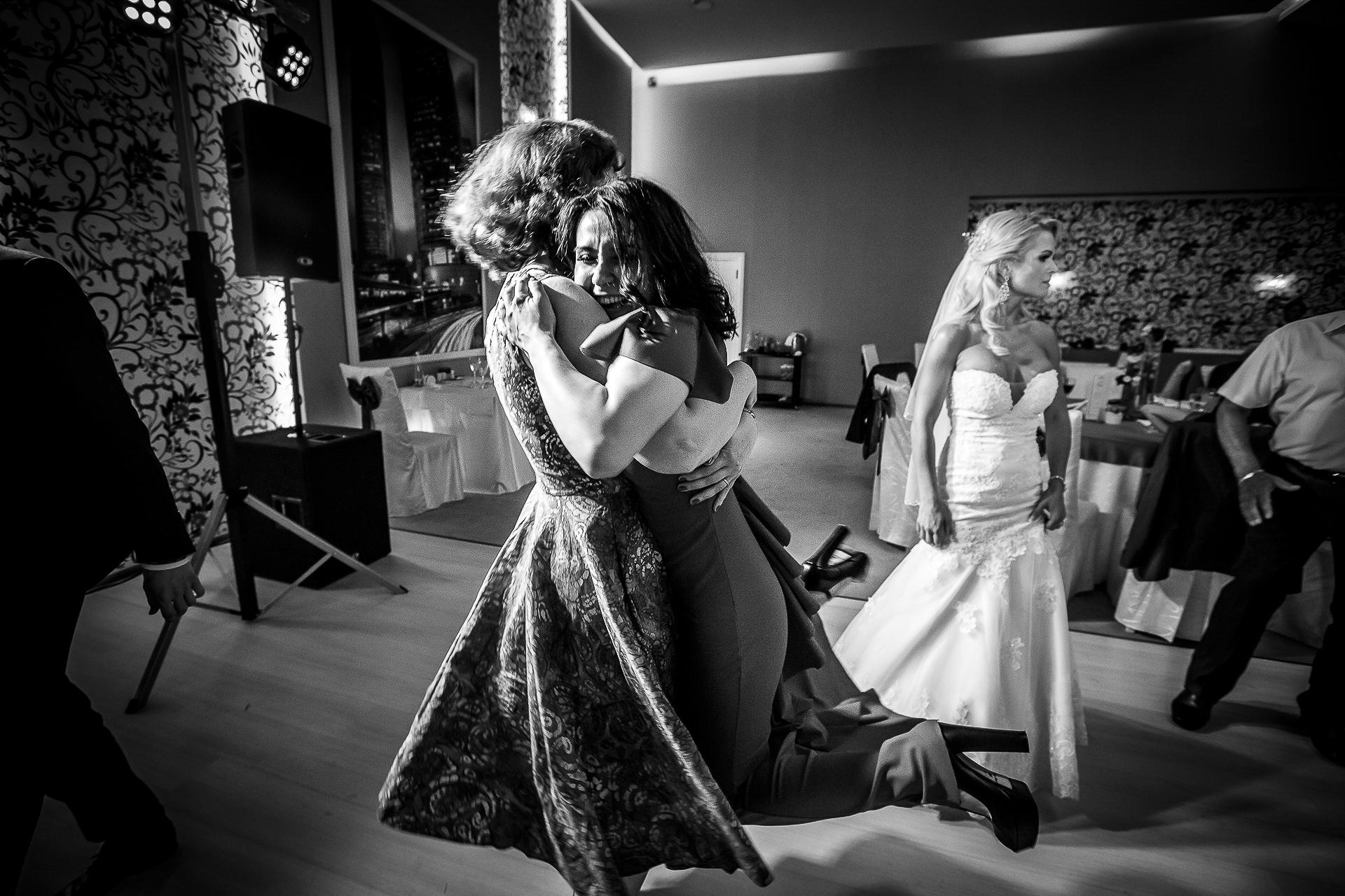 Fotograf nuntă Bucureşti - Biserica Militara Sfântul Mina + Metropolitan Club and Events - Marinela şi Pasquale - Mihai Zaharia Photography - 83