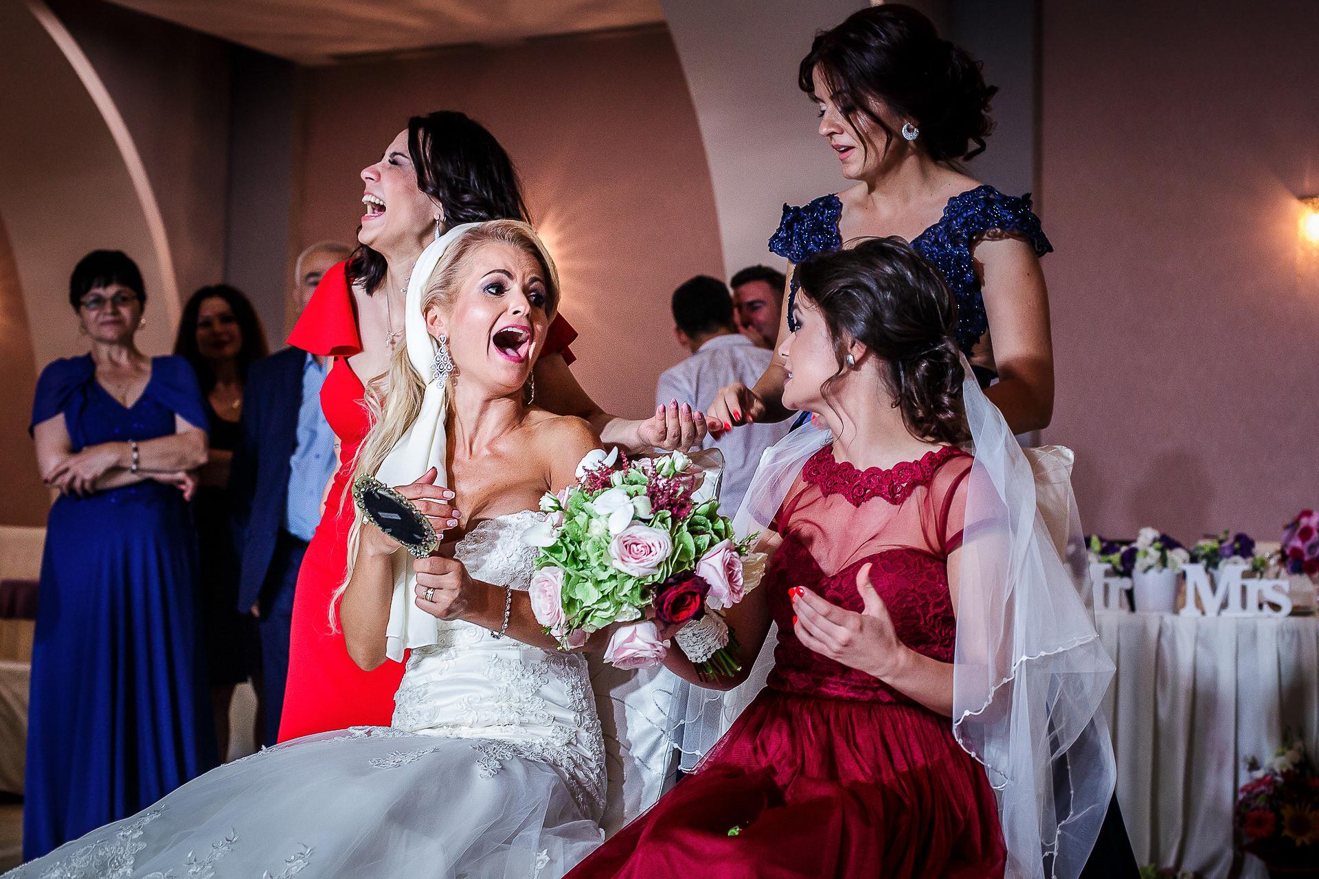 Fotograf nuntă Bucureşti - Biserica Militara Sfântul Mina + Metropolitan Club and Events - Marinela şi Pasquale - Mihai Zaharia Photography - 95