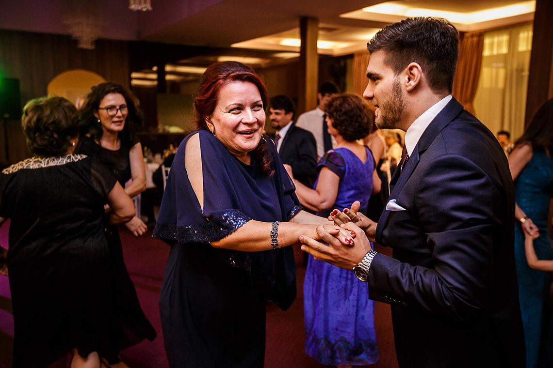 Fotografie de nuntă Bucureşti - The President + Biserica Popa Nan - Irina şi Florin - Mihai Zaharia Photography - 38