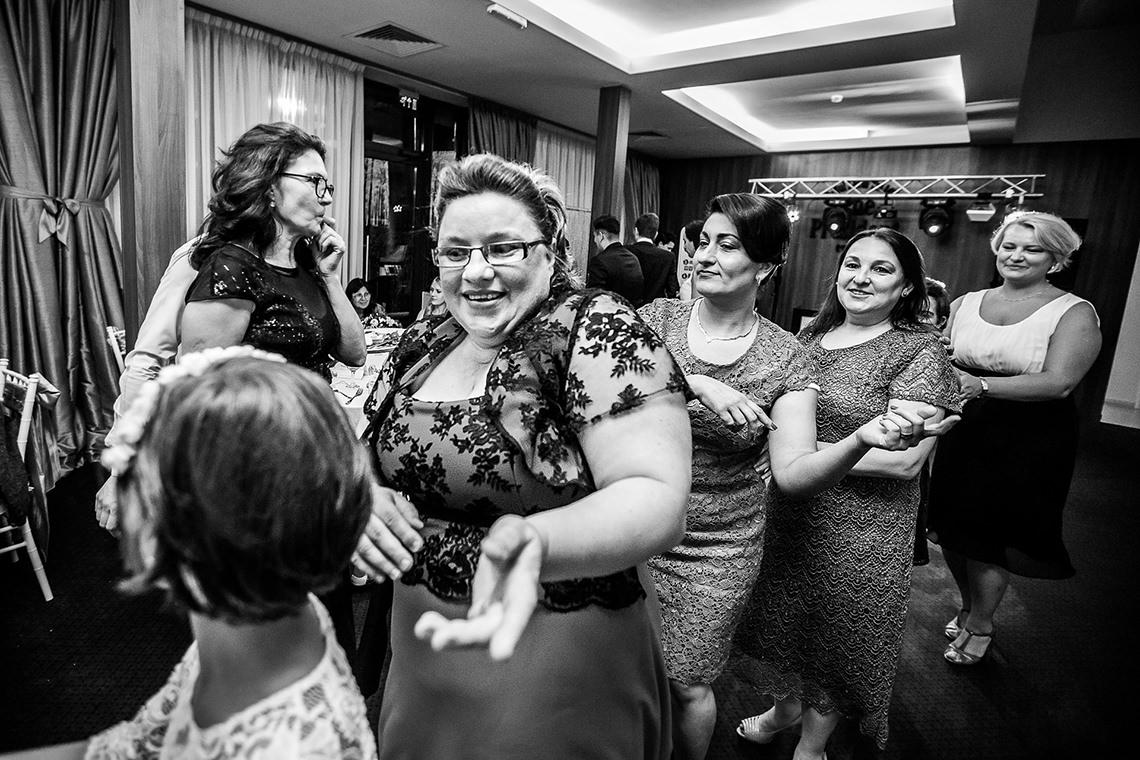 Fotografie de nuntă Bucureşti - The President + Biserica Popa Nan - Irina şi Florin - Mihai Zaharia Photography - 40