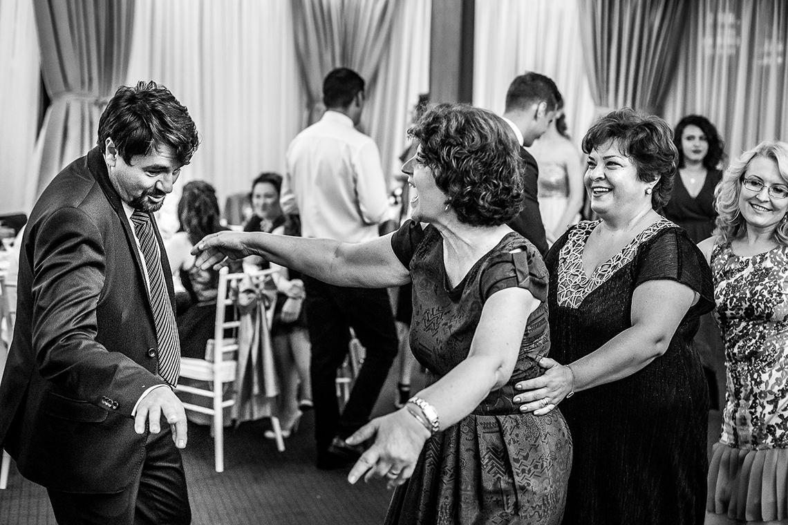 Fotografie de nuntă Bucureşti - The President + Biserica Popa Nan - Irina şi Florin - Mihai Zaharia Photography - 41