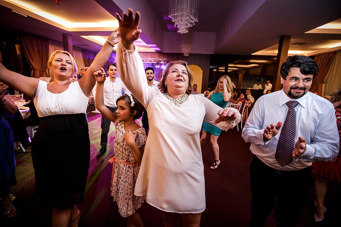 Fotografie de nuntă Bucureşti - The President + Biserica Popa Nan - Irina şi Florin - Mihai Zaharia Photography - 53