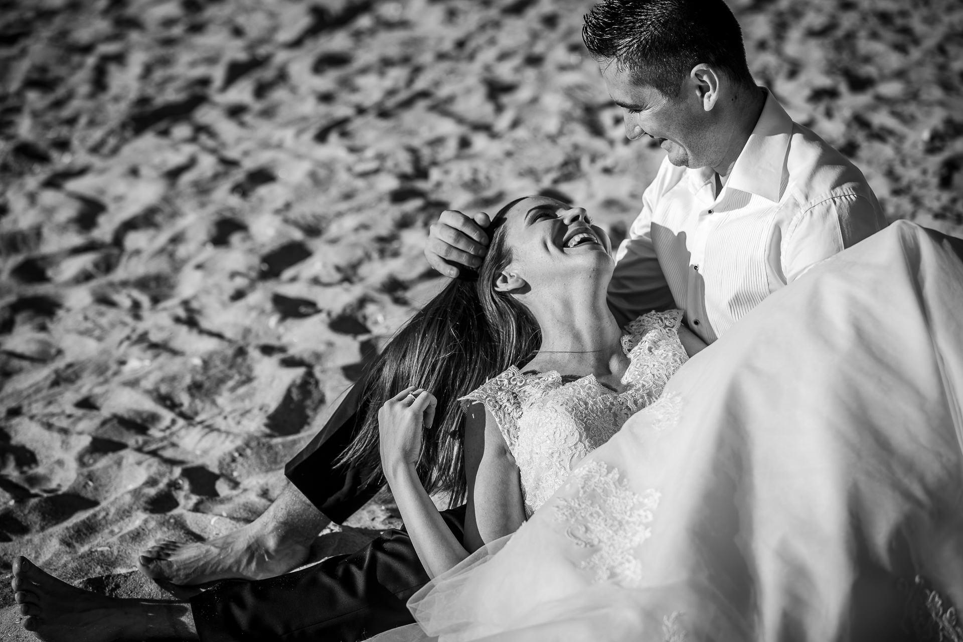 Şedinţă foto Trash The Dress - Vadu + Midia - Mihaela şi Alexandru - Mihai Zaharia Photography - 02