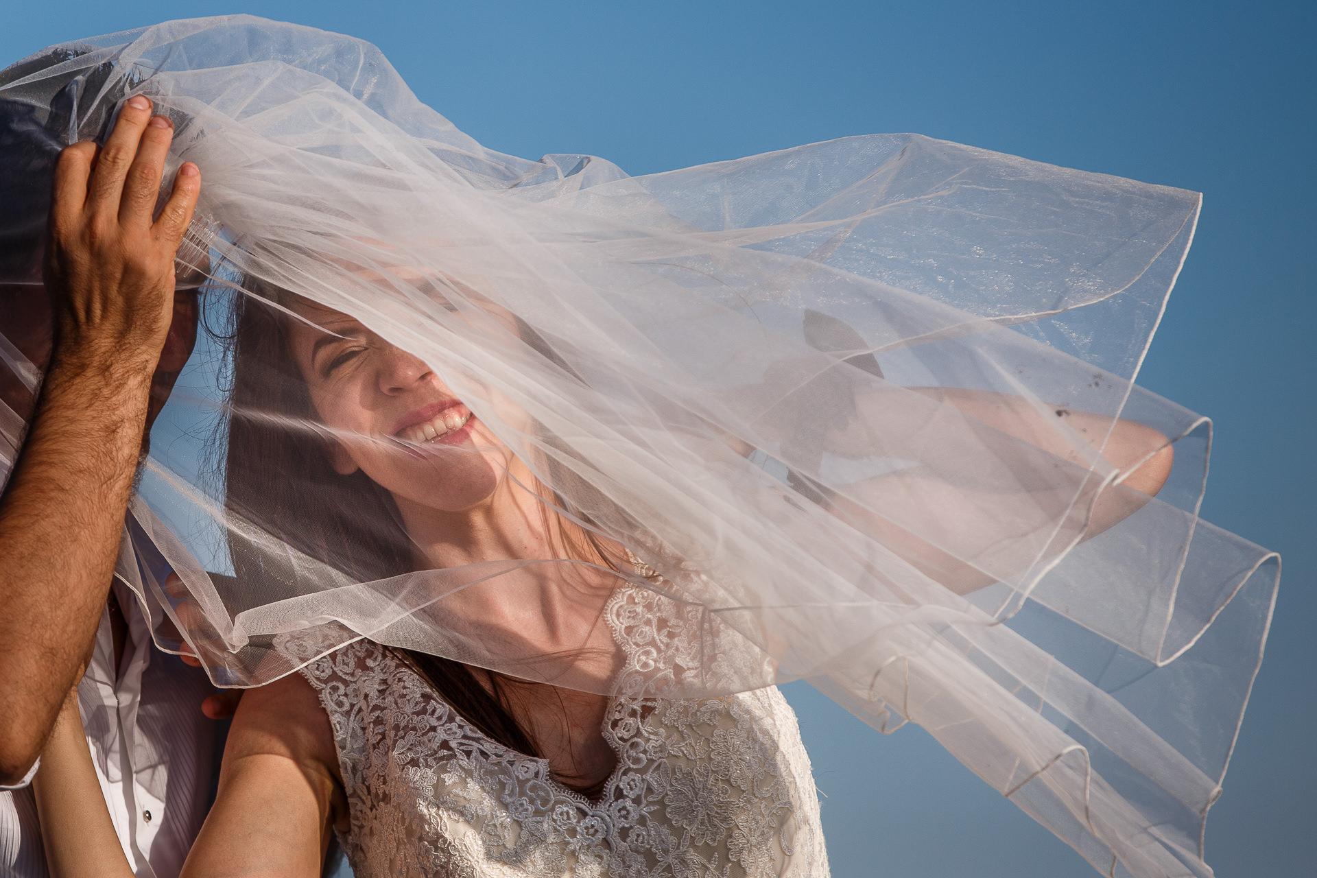 Şedinţă foto Trash The Dress - Vadu + Midia - Mihaela şi Alexandru - Mihai Zaharia Photography - 11