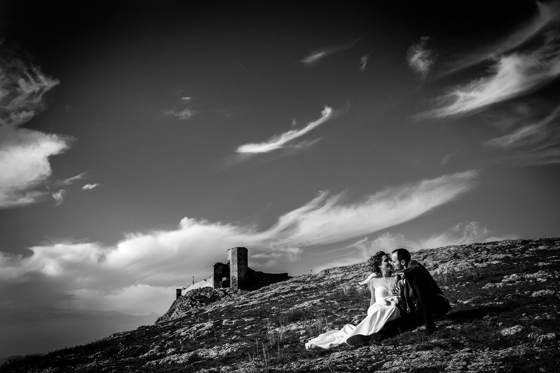 Şedinţă foto Trash The Dress - după nuntă la Cetatea Enisala, Tulcea - România - cu Mihaela şi Octavian - Mihai Zaharia Photography - 03