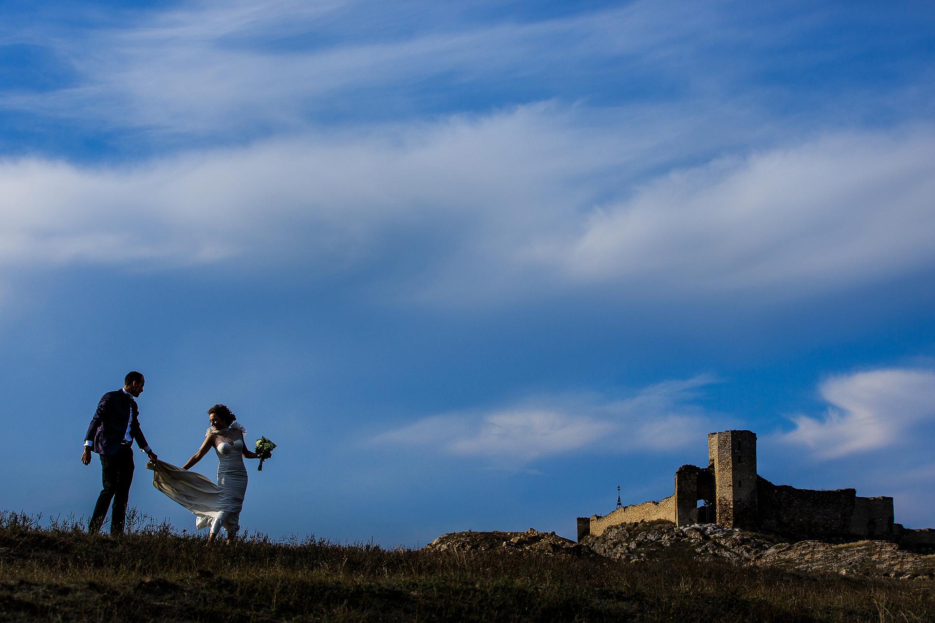 Şedinţă foto Trash The Dress - după nuntă la Cetatea Enisala, Tulcea - România - cu Mihaela şi Octavian - Mihai Zaharia Photography - 07