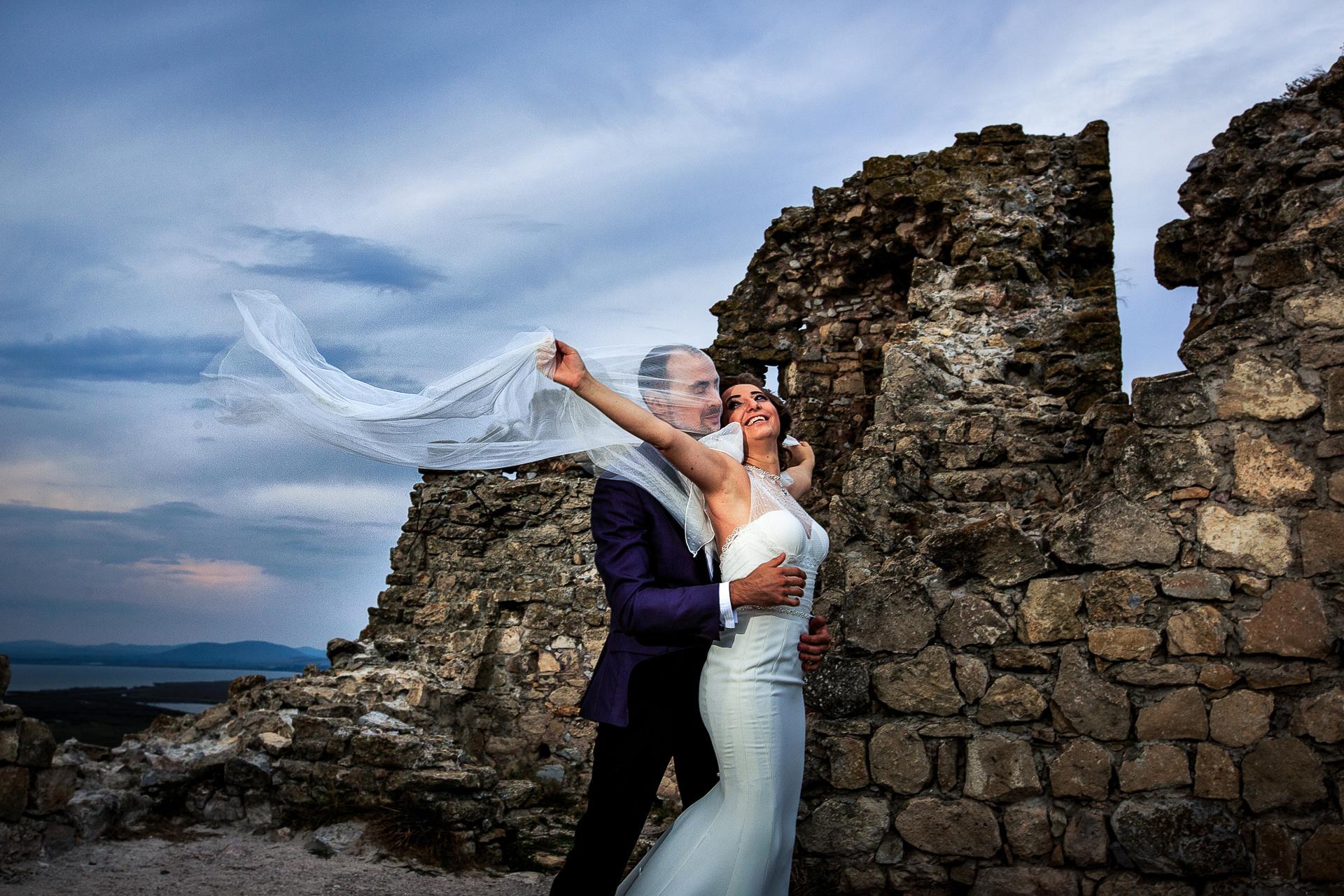 Şedinţă foto Trash The Dress - după nuntă la Cetatea Enisala, Tulcea - România - cu Mihaela şi Octavian - Mihai Zaharia Photography - 15